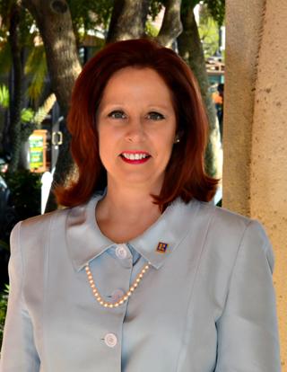 Denise Oyler Berkshire Hathaway HomeServices Florida Realty Agent