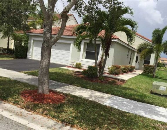 Homes for sale in Weston