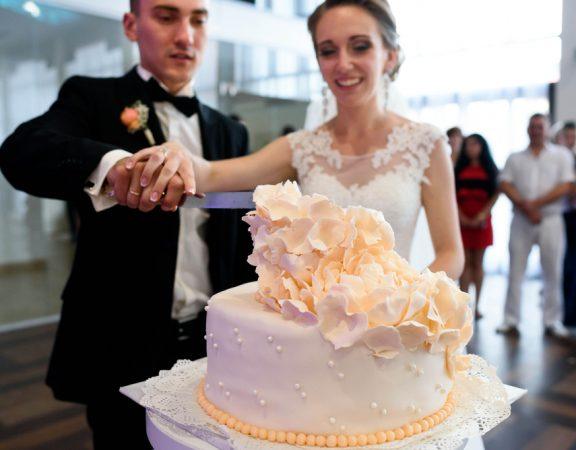 Parkland Homeowners Love Their Wedding Cakes