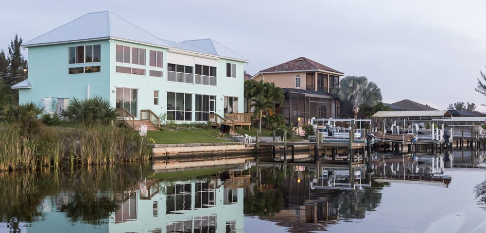 the pros and cons of living in southwest florida