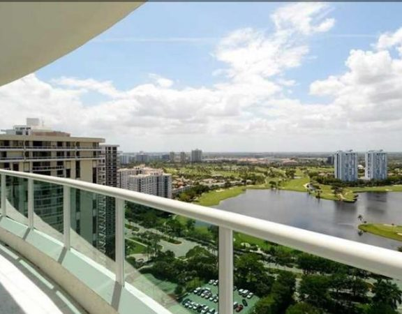 Aventura Real Estate 20201 E. Country Club Dr_view