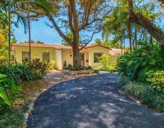 Coral Gables luxury homes 1532 Dorado Ave