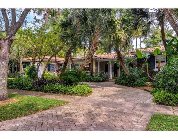 Coral Gables Luxury Homes 1015 Placetas Avenue
