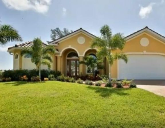 Cape Coral luxury homes with gulf access