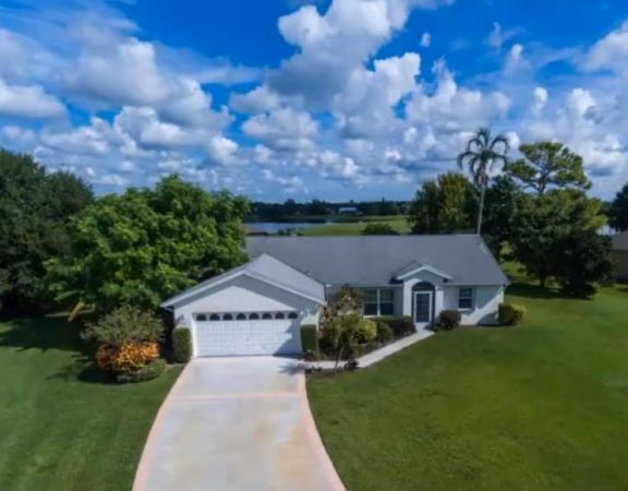 Port St. Lucie real estate properties listing beautiful great lake home.
